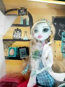 Monster High Doll Classroom Mad Science Lagoona Blue 2011 Mattel W2560 New