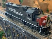 Ho Scale Athearn Genesis Gp38-2 Dcc Sp Southern Pacific Beacon Light Detailed