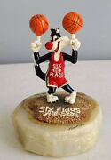 Autographed Ron Lee Six Flags All-star Sylvester Warner Brothers Figurine Le