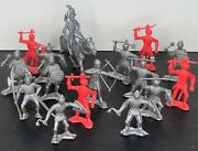 Mpc Multiple Products Corp Vintage 46 Mm 1963 Knights Toy Soldiers