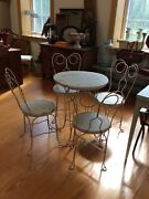 Antique/vintage Twisted Iron Ice Cream Parlor Set 24 Inch Table And 4 Chairs