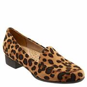 Trotters Womenand039s Monarch Slip-on Loafer - Choose Sz/color