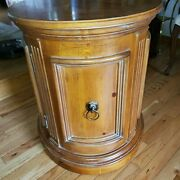Ethan Allen Tuscany Oval Drum Table W Brass Lion Accents, End Table 32-8203-450
