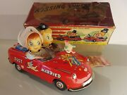 Tin Toy 1950and039s Ichida-japan Bat.op. Kissing Couple/citroen Ds Mint In Or. Box