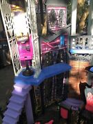 Monster High Doll House Deadluxe Haunted School Playset Castle