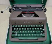 Minty Brown 1955 Royal Quiet De Luxe Typewriter Case Portable Vtg Qdl - Read