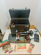 Singer 221 Featherweight 1949 Sewing Machine Case Manual Accessories Working