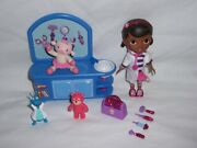Doc Mcstuffins Talking Time For A Checkup Playset W/ Doll Stuffy Lambie Bag Bear