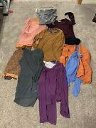 9 Piece Lot Logo By Lori Goldstein Xs Tops Logonistas Cleaning My Closet