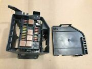 00-03 Jaguar Xj8 Used Trunk Fuse Box Assembly W Mount And Cover