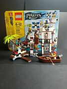 Lego 70412 Pirates Soldiers Fort Set Incomplete Missing 2 Peices Minifigures