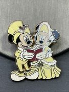"""Disney Pin Victorian Christmas Carolers Mickey Minnie Mouse 2008 """"first Release"""""""