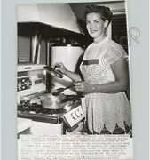 Mayor Of Pacifica California Jean Fassler @ Home Housewife 1957 Press Photo