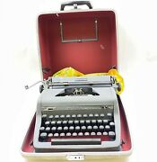 Vintage Royal Quiet Deluxe Typewriter With Magic Margin And Org. Case With Brush