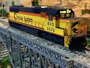 Ho Scale Walthers Emd Sd50 Dcc W/ Sound Diesel Locomotive B And O Chessie System