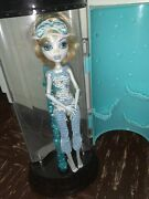 Monster High Dead Tired Lagoona Blue Doll And Hydration Station Set + Accessories