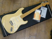 Fender Cs Classic Player Stratocaster Used Electric Guitar