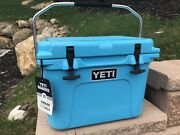 """Nwt Yeti Roadie 20 """"reef Blue"""" Cooler Ice Chest Discontinued Color W/ Manual New"""