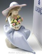 Lladro Figurine Fragrant Bouquet Girl With Flowers And Hat 5862 Retired Mint Box