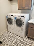 New Bosch 800 Series Compact 24 Washer And Dryer W/pedestals 4000 Retail