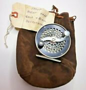 S E Bogdan Trout Fly Fishing Reel Org. Case Right Hand Wind Mid 1970s Gold/black