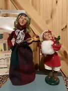 Byers Choice Christmas Carolers Music Woman Violin And Girl Muff Gifts Signed