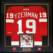 Steve Yzerman Detroit Red Wings Signed Red Jersey Nhl Hockey Collector Frame