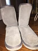 Gray Uggs Size 7
