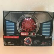 Sdcc 2018 - Hasbro Marvel Legends Series Red Skull Figure And Electronic Tesseract
