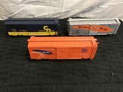 Lot Of 3 Weaver O Ultra Line. 2 Western Pacific And 1 C And O Boxcars Trains