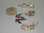 Vintage Costume Jewlry 5 Pieces Pins And Scarf Holder