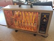 Vintage Lakewood Model 530 Electric Portable Space Heater. With Box
