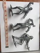 Louis Marx And Co Knights Figurines Lit Of 3 Mcmlxiv