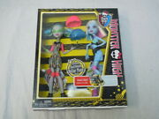 Monster High Two Doll Set Ghoulia Yelps And Abbey Bominable Skultimate Roller Nib