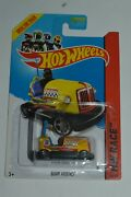 2013 Hot Wheels Bump Around Bfd37 Yellow Color Hw Race Track Aces Series Mic