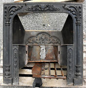 Controcuore Ghisa Antico Lucchese - Ancient Cast Iron Fireplace From Lucca 12102