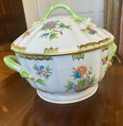 Herend Queen Victoria Butterfly Large Round Soup Tureen Branch Handles