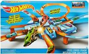Hot Wheels Criss Cross Crash Playset With One Die-cast Car Dtn42