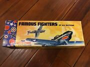 1953 Aurora Famous Fighters 44-59 P40 Flying Fighter Model Kit
