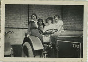 Photo Ancienne - Vintage Snapshot - Agriculture Tracteur Femme - Woman Tractor