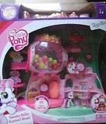 My Little Pony Sweetie Belles Gumball House With 3 Extra Ponies And 17 More Asso