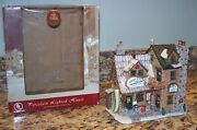 Lemax Bucky's Trading Post Casey's Camping Gear Log Cabin Building 45059 W/box