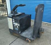 Crown Tr 3600 Series Tugger Tow Cart Puller Tr3600-200 With Charger Sold As Is