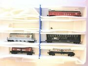 5 N Scale Train Cars /w Micro-trains Trucks And Couplers. In Plastic Container.