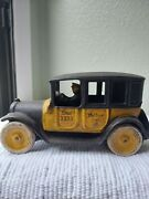 Vintage Arcade Yellow Cab Cast Iron 8 Includes Driver And Grill