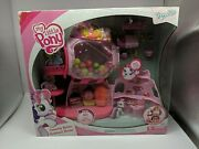 My Little Pony Ponyville Sweetie Belle's Gumball House Home Wig Figure Brand New