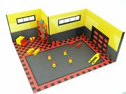 Diorama Model Display Sport Car Garage With Auto Service Equipment Scale 118
