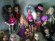 Bratz Lot Of 54 Dolls Clothes 24 Pairs Of Shoes 2 Cases Accessories