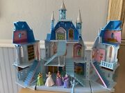 Disney Cinderella Magical Castle Light Up Playset With 4 Figurines Works