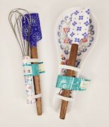 The Pioneer Woman 2 Spatula Whisk Spoon Rest 4 Piece Set, Maize Pattern Blue New
